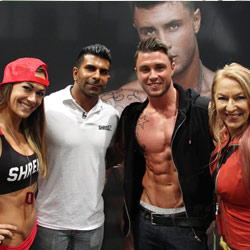 Elisabetta Rogiani at Shredz booth with the staff